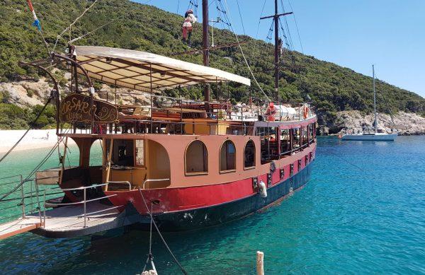 pirate ship blue lagoon
