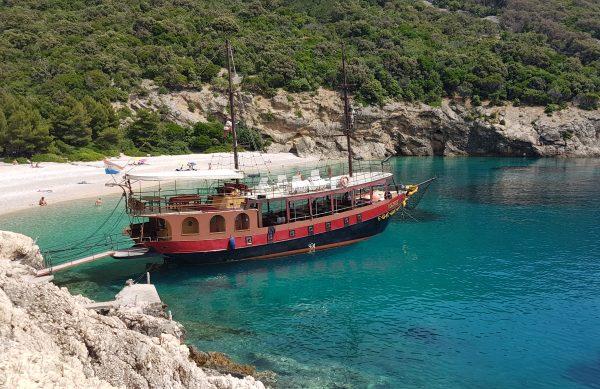 Pirate ship 3 islands